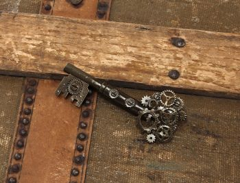 Steampunk Large Key Gear Pin
