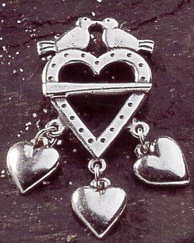 Hjertesolje Liten Doves and Hearts Pewter Pin Brooch