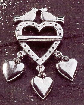 Hjertesolje Stor Doves and Hearts Pewter Pin Brooch