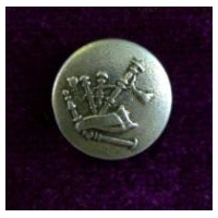 Wee Bagpipe Button, card of 4