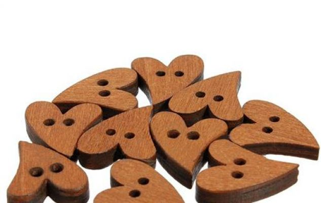 Sassy Wooden Heart Shaped 20 mm Button - Pack of 5 Buttons