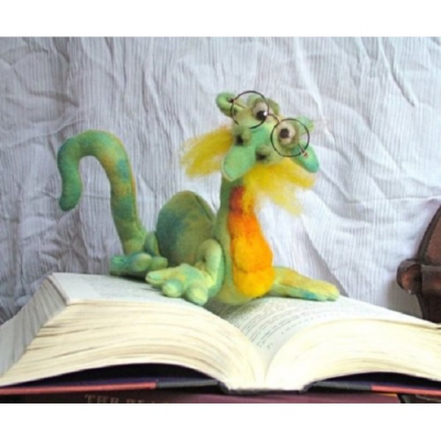 "The Maned Bookwyrm Craft Pattern by ""Jennifer Carson, The Dragon Charmer"""