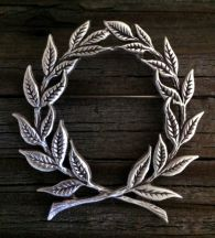 Laurel Wreath Brooch in Pewter