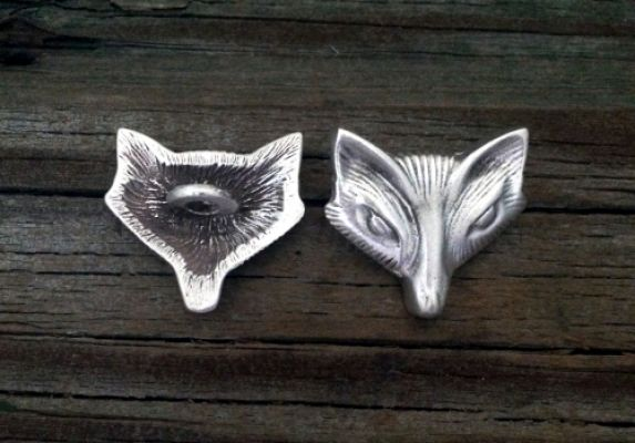 "Fox or Vixen Button in Pewter - 1"" (25mm) wide"