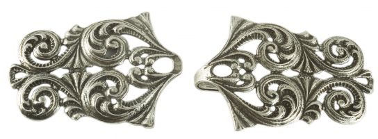 A Tele Middels Pewter Cloak Clasp